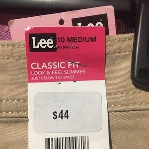 Classic fit  straight leg pants
